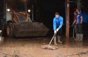 Nadal in prima linea nell'alluvione di Maiorca