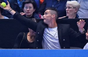 """CR7 """"raccattapalle"""" alle Atp Finals"""